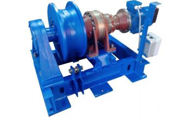 Лебедка тягово-маневровая ЛЭМ-10БР брашпильная электрическая 220 м / 1070 тонн